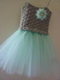 24 Ideas Crochet Skirt Pattern Free Kids Tutus For 2019 Crochet Baby Dress Free Pattern, Crochet Tutu Dress, Skirt Pattern Free, Crochet Clothes, Crochet Patterns, Sew Dress, Baby Dress Tutorials, Baby Tutu Dresses, Kids Tutu