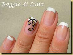 Raggio di Luna Nails: French manicure with golden coins tree