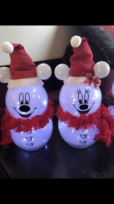 Snowman crafts Awesome Christmas Decorations on a Budget – Fish Bowl Snowman Disney Christmas Crafts, Disney Christmas Decorations, Mickey Christmas, Disney Ornaments, Disney Crafts, Christmas Projects, Holiday Crafts, Christmas Holidays, Christmas Gifts To Make