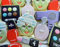 Flour Box Bakery — How to Decorate Make-up Cookies