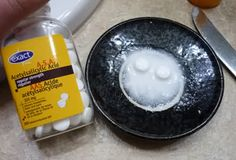 ACNE TREATMENT AT HOME: Aspirin Face Scrub. 3 aspirin tablets, 1tsp water, and 1tsp honey or aloe Vera gel. Crush tablets and dissolve in water. Add honey/gel and mix. Apply on clean face for about 10 minutes and let dry. Rinse with warm water and massage in a circular motion.