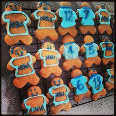Blues/NSW state of origin gingerbread men
