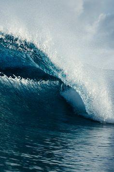 Ocean Waves by Jeff Levingston Water Waves, Sea Waves, Oceans Song, Ocean Beach, Ocean Girl, Ocean Wallpaper, Beaches In The World, Making Waves, Surfs Up