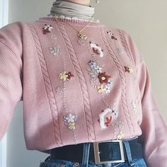 Honestly the cutest jumper in the whole wide world - baby pink knitted sweater with lil embroidered flowers and ruffle edges on all the hems. So precious🌷🌷🌷. Retro Outfits, Casual Outfits, Vintage Outfits, Fashion Outfits, Girly Outfits, Korean Outfits, Fashion Tips, Aesthetic Sweaters, Aesthetic Clothes