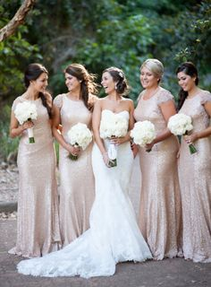 Gorgeous bridal party - love their dresses!