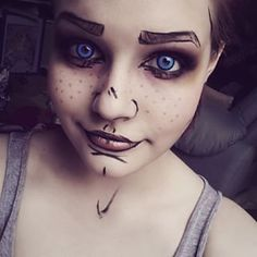 Borderlands Cell Shading Cosplay Makeup.