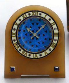 Cartier agate, enamel, gold and sapphire strut clock, 1920