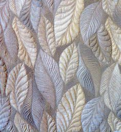 Class sample from Heirloom Feathers class... Quilting was done on printed yardage - also a good way to practice, with no marking needed! Check out the back in the next shot.
