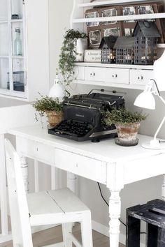 I love old typewriters!
