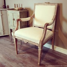 Lovely Gustavian Arm-Chair.