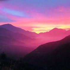 Colorodo Mountains [OC] [1080x1080] andreqbrewster http://ift.tt/2AkhtO3 November 29 2017 at 12:34PMon reddit.com/r/ EarthPorn