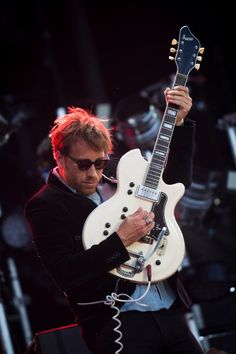 Love to watch and listen to this man The Black Keys, Dan Auerbach, This Man, Husband, Concert, Musicians, Bands, Watch, Clock