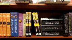 Het spannende scifi boek 'De Strop Ploeg' van Koen Romeijn heeft een mooie plek gekregen tussen de scifi-collectie bij The Read Shop in Houten. #destropploeg #koenromeijn #scifi #thriller #readshophouten #thereadshop #futurouitgevers