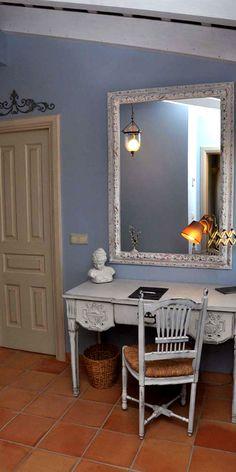   LA MOZAIRA   Escapada romántica en el Hotel con encanto La Mozaira en Valencia, habitación Gregoria  