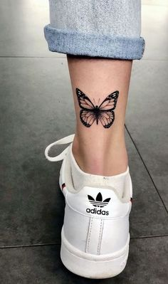 Dope Tattoos For Women, Tiny Tattoos For Girls, Girly Tattoos, Mini Tattoos, Foot Tattoos, Finger Tattoos, Tatoos, Dainty Tattoos For Women, Random Tattoos