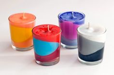 Colorblocked candles using crayons for the color. Great recycling idea for all those broken crayons!