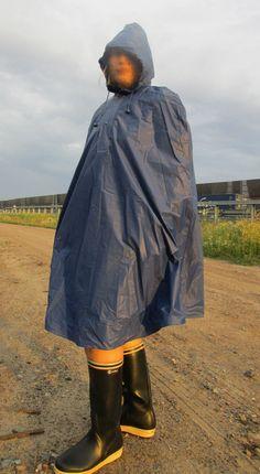 Regencape Cape Friesennerz Plastik Lackmantel Poncho Fahrrad PVC Lack Vinyl XL in Kleidung & Accessoires, Damenmode, Jacken & Mäntel | eBay