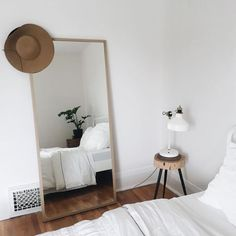 10 Secure Cool Ideas: Chic Minimalist Bedroom Dark Walls minimalist living room with kids interiors.Modern Minimalist Bedroom Clothing Racks minimalist home interior inspirational.Minimalist Home Tips Small Spaces. Home Design, Interior Design, Design Design, Home Decor Bedroom, Modern Bedroom, Bedroom Neutral, Bedroom Plants, Minimal Bedroom, Master Bedroom