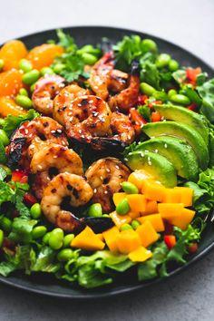 Big, bold Asian flavors bring this mango mandarin sesame shrimp salad to life and make it a hearty, yet simple and healthy dish! Fish Recipes, Seafood Recipes, Dinner Recipes, Cooking Recipes, Shrimp Salad Recipes, Healthy Dishes, Healthy Salad Recipes, Healthy Ramen, Avocado Recipes