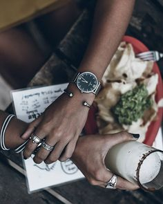 A beautifully classic design: a stunning silver watch with a powerful combo of a black dial and a trendy silver band made from mesh. Kapten & Son, Kooples, Hair Jewels, Black Mesh, Types Of Fashion Styles, Bag Accessories, Jewlery, Personal Style, Pretty