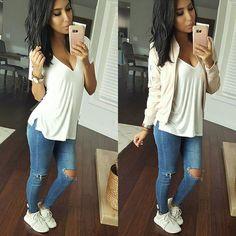 #mommyvibes  tee & jeans ✌ Top @shopdressygirl  Jacket @slay_emporium  Jeans @ikrushcom