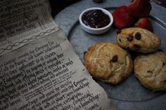 In honor of Bilbo and Frodo's birthday this year, here is a video of Bilbo's Buttered Scones inspired by The Hobbit. Find this and more recipes from The Hobb. White Chocolate Macadamia Cookies, Merry And Pippin, Second Breakfast, Cold Cream, Clotted Cream, Green Curry, Raisin, Salt