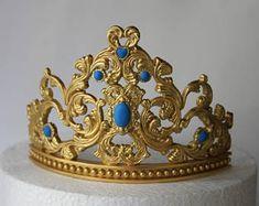 Tiara Cake, Crown Cake, Princess Tiara, Princess Cakes, Girl Birthday, Birthday Parties, Creative Food Art, Fondant Tutorial, Gold Crown