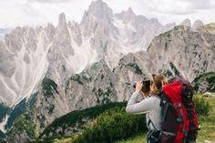 Prendre son appareil photo réflexe en Voyage dans les Dolomites Lofoten, Appareil Photo Reflex, Belle Photo, Mount Everest, Invitation, Mountains, Nature, Travel, Wanderlust