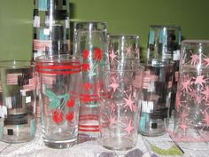 I love collecting vintage drinking glasses. The sad thing is I tend to use my vintage kitchen items which often times ends in items gett. Vintage Dishware, Vintage Bar, Vintage Kitchen, Retro Vintage, Vintage Items, Vintage Cartoon, Vintage Dishes, Mid Century Modern Design, Mid Century Style