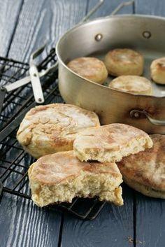 Authentic PÃO (Portuguese bread rolls)
