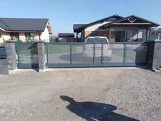 Brány ploty prístrešky kovovýroba zámočnícka výroba Púchov