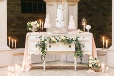 An inspiration shoot filled with soft neutrals, lush florals, and layers of romantic textures all set at Hacienda Sarria. Elegant Wedding, Perfect Wedding, Table Centerpieces, Table Decorations, Wedding Furniture, Groom And Groomsmen Attire, Boho Wedding Decorations, Wedding Table, Reception Table