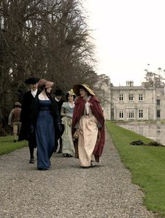 Anne Hathaway as Jane Austen and Julie Walters as Mrs. Austen in Becoming Jane (2007).