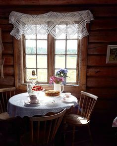 Enjoying The Journey:Cancer As A Lifestyle: Clarity Cozy Kitchen, Gothic House, Cabin Design, Cottage Interiors, Log Homes, Interior And Exterior, Sweet Home, Interior Decorating, Windows