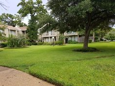 Condo/Townhome Property For Sale with 2 Beds & 2 Baths in Houston, TX (77063)