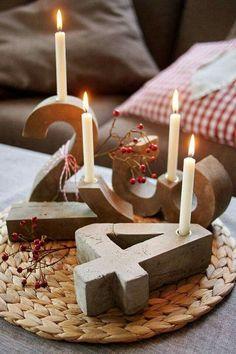 "Para Adviento en cemento u hormigón - Advent of cement or concrete - DIY Blitzzement oder Beton-""Adventskranz"" Noel Christmas, Winter Christmas, Christmas Crafts, Simple Christmas, Concrete Crafts, Concrete Projects, Advent Candles, Advent Wreath, Diy Weihnachten"