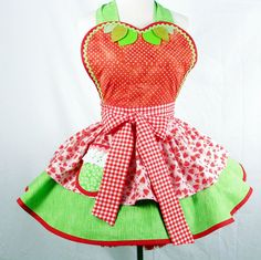 this woman makes the absolute cutest aprons I have ever seen.