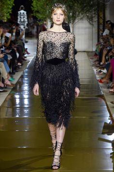 Zuhair Murad Fall 2017 Couture: Julianne Moore