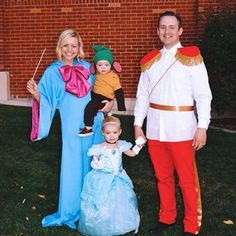 I'm sure their Halloween had a fairy tale ending. | 21 Family Costumes That Took Halloween To The Next Level