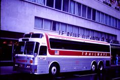 Continental Trailways Model 5 | Recent Photos The Commons Getty Collection Galleries World Map App ... Luxury Bus, World Map App, Bus Station, Busses, Greyhounds, Commercial Vehicle, Galleries, Transportation, Eagle