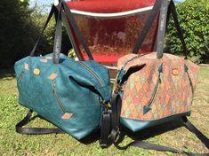 Duo de sacs Javas en simili bleu et imprimé losanges cousus par Rosa - Patron Sacôtin
