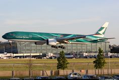 Boeing 777-367/ER aircraft picture