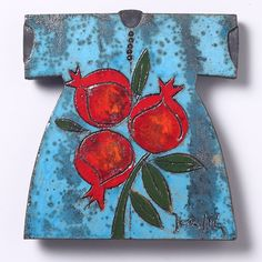 Raku Ceramic is a Japanese technique, here combined with tradition and symbolism of the Ottoman kaftan. The pomegranate motif in Turkish history is a symbol of fertility and fortune. Raku has a rich glaze with a metallic and unpredictable crackled effect.