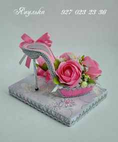 A perfect gift for birthdays, Mother's day, girl's luncheon and bridal showers. Shoe Crafts, Diy And Crafts, Paper Crafts, Candy Flowers, Paper Flowers, Fairy Shoes, Paper Shoes, Flower Shoes, Balloon Centerpieces