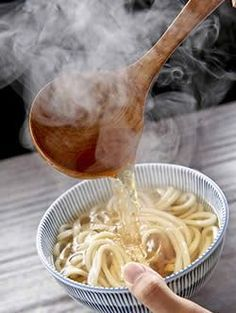 Le dashi, bouillon de base de la cuisine japonaise