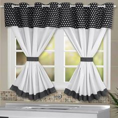 Cortina de Cozinha de Poá Preto no Kitchen Curtains And Valances, Living Room Decor Curtains, Home Curtains, Hanging Curtains, Curtain Styles, Curtain Designs, Farmhouse Kitchen Decor, Home Decor Kitchen, Rideaux Shabby Chic