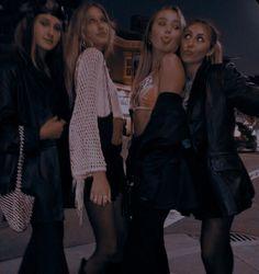 Elite Squad, Elle Kennedy, Wattpad, Couple Aesthetic, Cheryl, How To Take Photos, Dream Life, Best Friends, Fur Coat