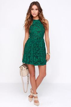 In Full Plume Green Lace Dress at Lulus.com! I love this site