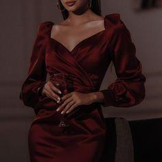 Elegant Dresses, Pretty Dresses, Beautiful Dresses, Classy Aesthetic, Aesthetic Clothes, Red Aesthetic, Estilo Fashion, Ideias Fashion, Look Retro