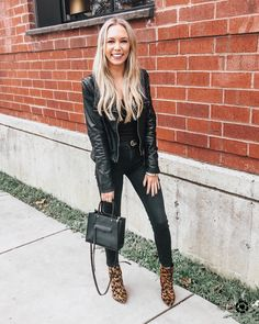 all black with leopard booties Chic Outfits, Fall Outfits, Fashion Outfits, Womens Fashion, Fashion Clothes, Booties Outfit, All Black Outfit, Fall Fashion Trends, Look Fashion